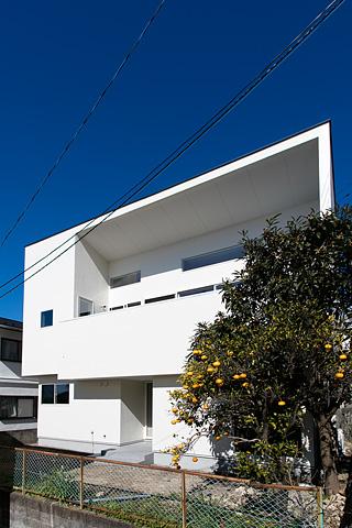 不定型な敷地だからできる<br>建築の挑戦。