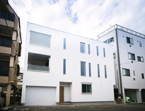 家の広がりをつくる<br>半屋外スペース。