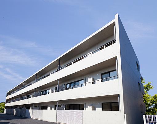 借り主の使いやすさを重視。<br>シンプルなデザインのマンション。