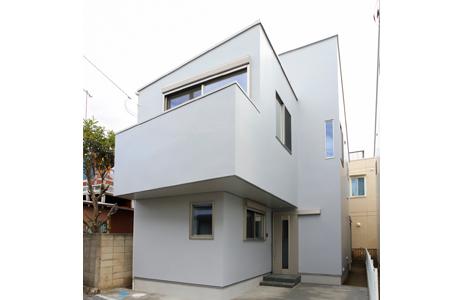 外観のルックスを超える、充実感のある邸。